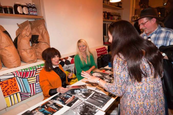 Fenella Fielding Signing At FlatPlanet