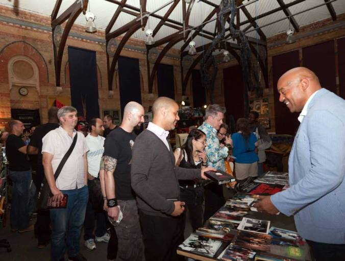 Ken Foree with his fans