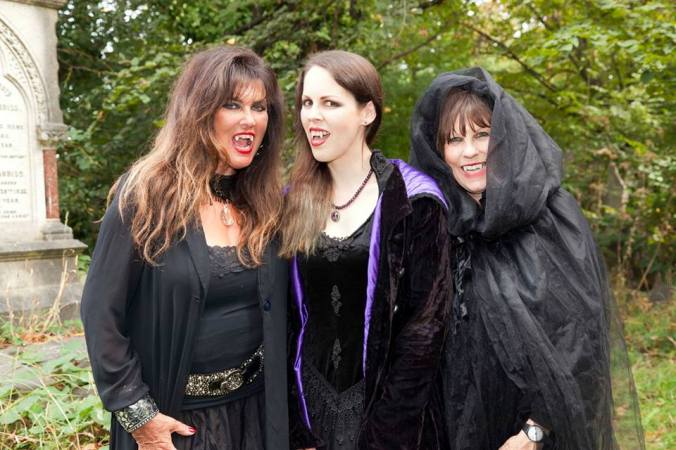 The 3 Vampires waiting for Count Frankula